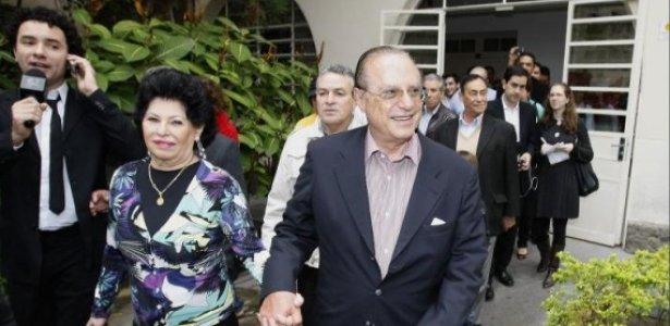 Paulo Maluf, candidato a deputado federal pelo PP, votou ao lado de sua mulher Silvia em SP