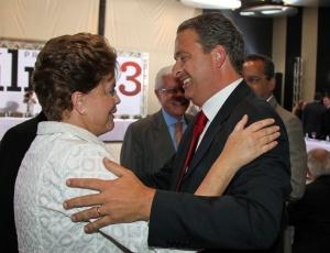Dilma Rousseff e Eduardo Campos (PSB-PE) em Brasília, nesta segunda-feira (4)