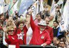 Serra critica PT; Dilma nega encomendar dossiês
