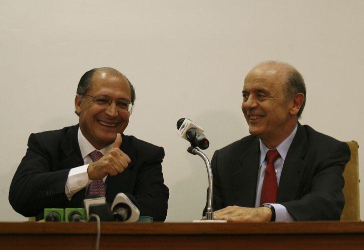 Ao lado de Alckmin