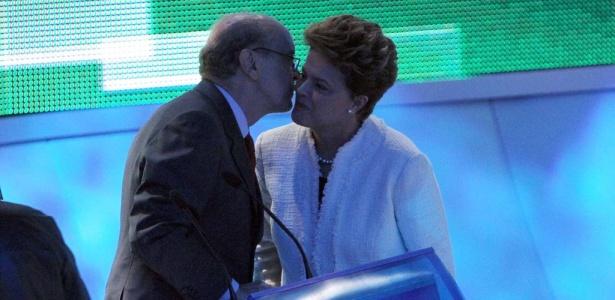 Serra e Dilma se encontram em estúdio para debate