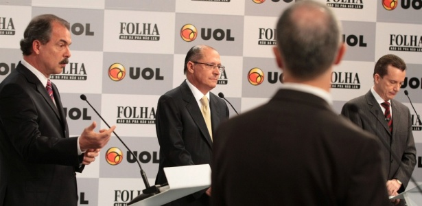 Da esquerda para direita, o jornalista Fernando Rodrigues e os candidatos Mercadante (PT), Alckmin (PSDB) e Russomanno (PP) no debate Folha/UOL