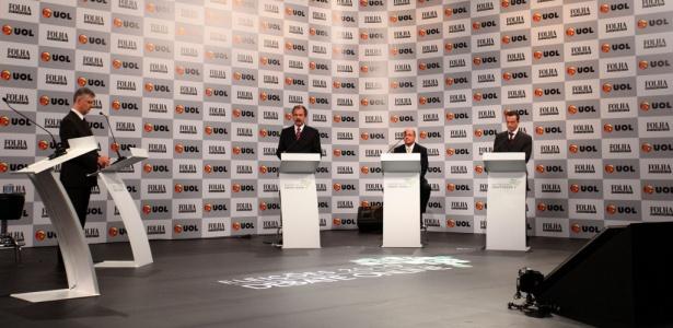 Candidatos respondem a peguntas de internautas no quinto bloco do debate