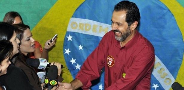 Agnelo Queiroz estuda revogar temporiamente, durante a Copa, o direito dos estudantes