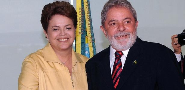 O presidente Luiz Inácio Lula da Silva recebe a presidente eleita Dilma Rousseff, no Palácio do Planalto